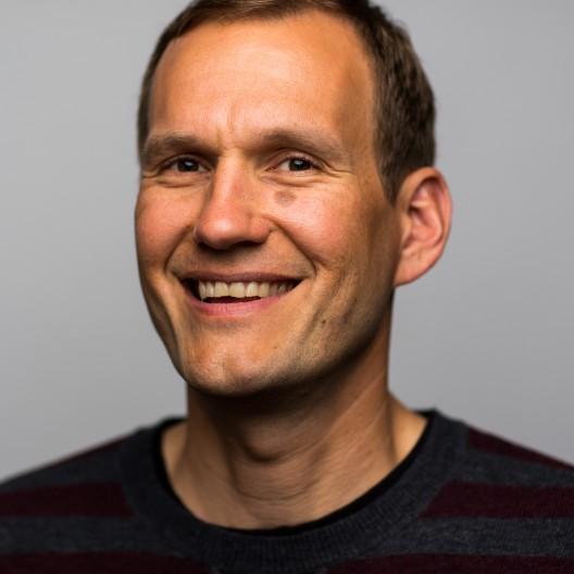 Portrait of Aaron Wirsing