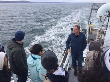 Charles Nittrouer and his students in the OCN/ESS 230 class on the RV Thomas G. Thompson.